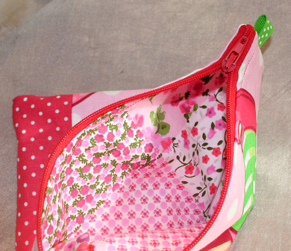 http://www.imaygine.com/wp-content/uploads/2012/10/charlotte1.jpg