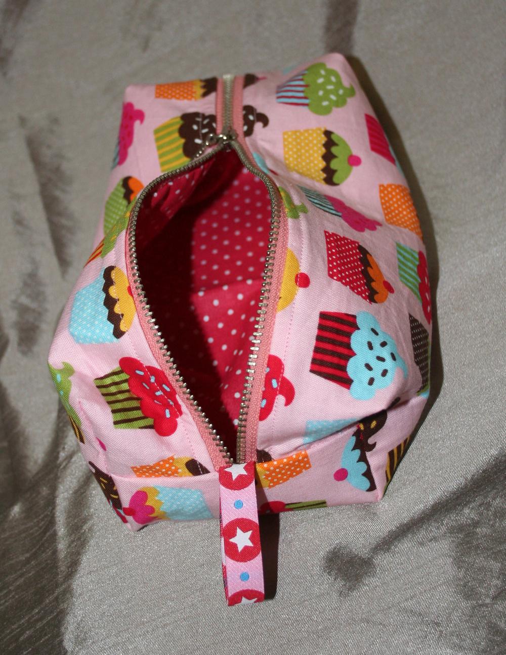 http://www.imaygine.com/wp-content/uploads/2012/10/cupcakes2.jpg
