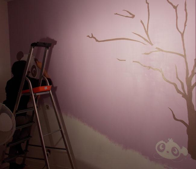 fresque décoration chambre fille artiste au travail